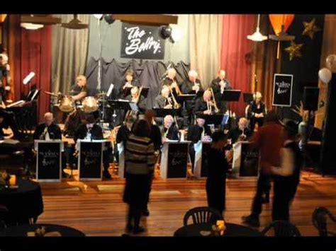 A 30s, 40s Swing Band,  The Notables , play the  golden ...