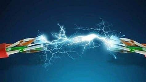 ¿A cuánta velocidad viaja la electricidad por el cable ...