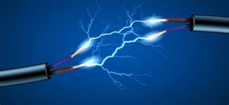 ¿A cuánta velocidad viaja la electricidad por un conductor ...