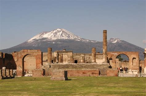"A Day Trip from Naples: Herculaneum, the ""other"" Pompeii ..."