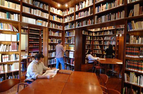 A História da Biblioteca e do Bibliotecário no Mundo ...
