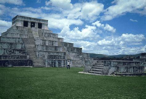 A Journey Through Guatemala: Zaculeu: White Earth in The ...