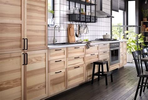A kitchen with natural ash doors and drawers. Natural Ash ...