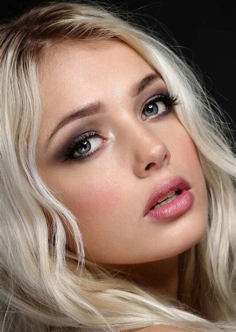 A little History – Make up Across the Ages   Belleza rubia ...