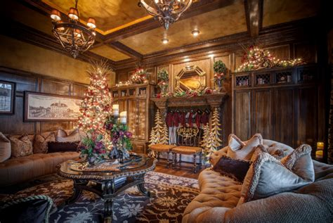 A Look At 12 Rooms Beautifully Decorated For Christmas ...