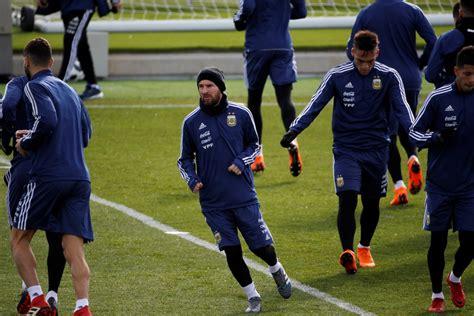 A qué hora juega Argentina contra España y qué canal lo ...