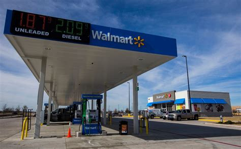 A Wal Mart convenience store? Retail giant tests the ...