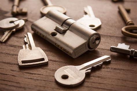 ABRIRYLISTO24H: Apertura de puertas con cerrajeros ...