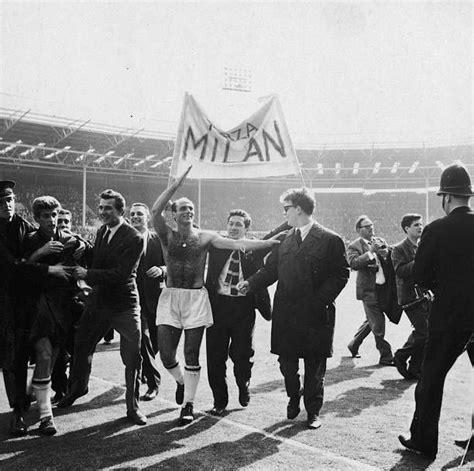 AC Milan celebrate winning the European Cup against ...