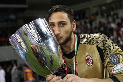 AC Milan win Super Cup after penalty shootout 丨 Sports