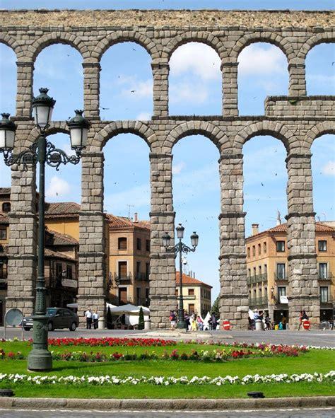 Acueducto romano de Segovia, España  Patrimonio de la ...