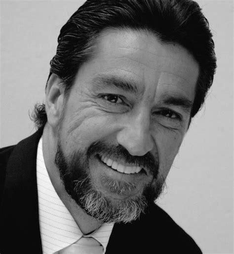 Adiós a Luis Fernando Montoya, el actor de la voz grave ...