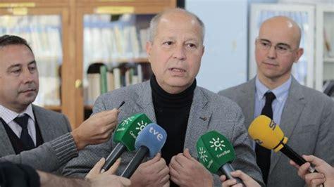 Administración paralela: La Junta de Andalucía elimina 85 ...