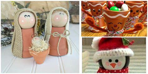 Adornos de navidad con macetas de barro