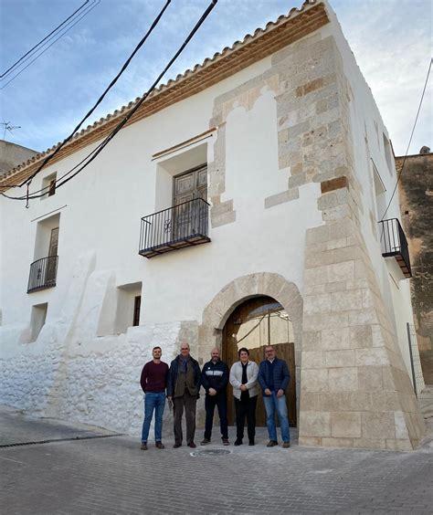Ajuntament i Conselleria visiten els avanços de les obres ...