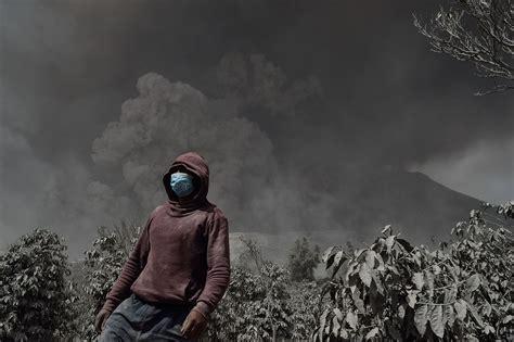 Al menos 15 muertos en Indonesia tras la erupción del ...