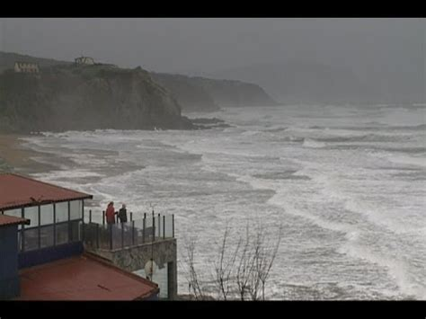 Alerta naranja en Euskadi por viento y altura de olas ...