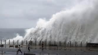 Alerta por olas de siete metros, viento y lluvia en Euskadi