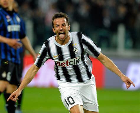 Alessandro Del Piero   Read Football