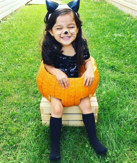 Alina Rae 2016 Pumpkin photoshoot we can t believe she ...