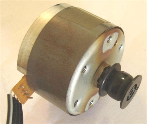Alma de herrero: Motor eléctrico de 12 voltios Matsushita ...