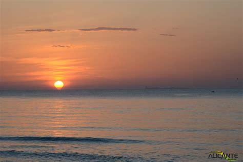 Amanecer desde la Playa del Pinet, Elche   Descubriendo ...