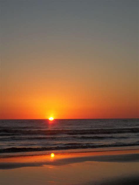 Amanecer en la playa | Brentoo | Dawn, Glow y Sunset