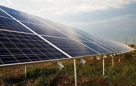 Amazon redobla su apuesta por la energía renovable en ...
