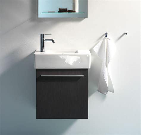 Amueblar baños muy pequeños y con formas irregulares