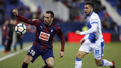 Anaitz Arbilla, elegido mejor jugador del Eibar esta ...