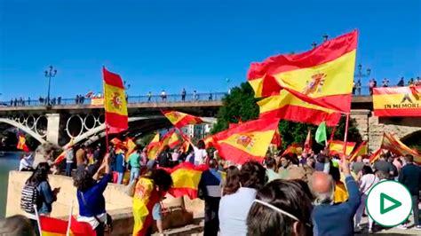 Andalucía, orgullosa de España: cientos de Sevillanos ...