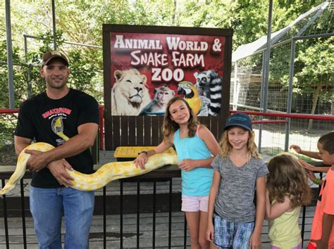 Animal World And Snake Farm Is The Most Unique Zoo In Texas