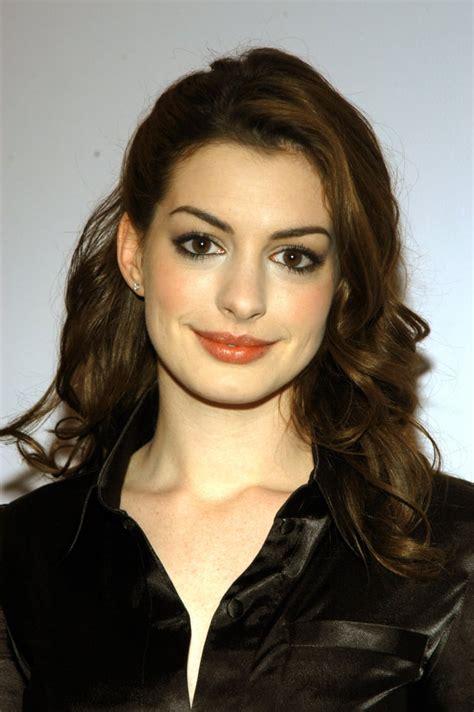 Anne Hathaway 2004 | Anne Hathaway Best Beauty Looks ...