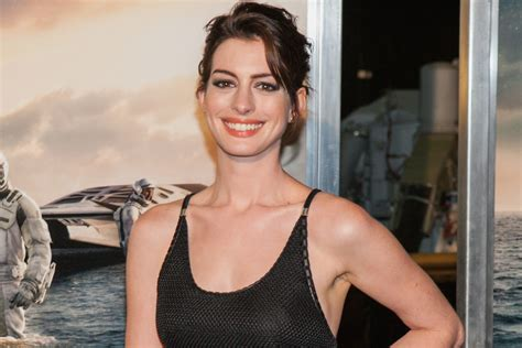 Anne Hathaway 2019 on her issues with weight and anxiety.