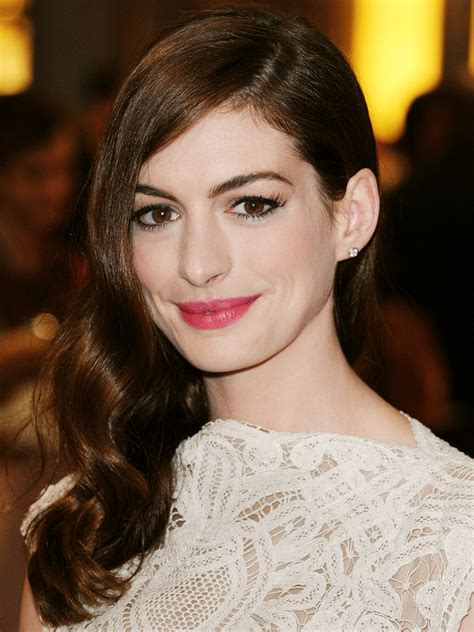 Anne Hathaway Actor | TV Guide