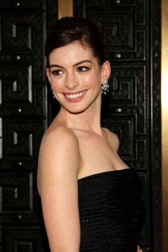 Anne Hathaway | Biography, Movie Highlights and Photos ...