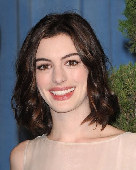 Anne Hathaway Cast In Shakespeare in the Park Twelfth ...