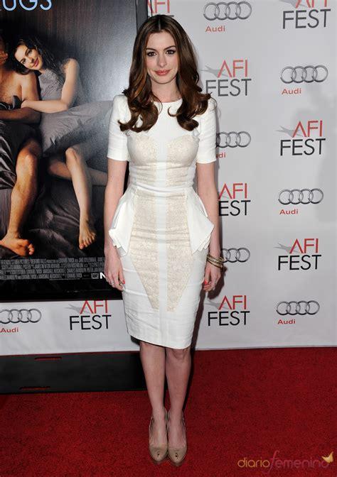 Anne Hathaway en la premier mundial de  Amor y otras drogas