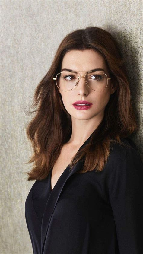 Anne Hathaway, glasses | Actrices bonitas, Actrices sexys ...