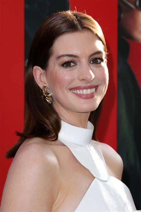 Anne Hathaway   HawtCelebs