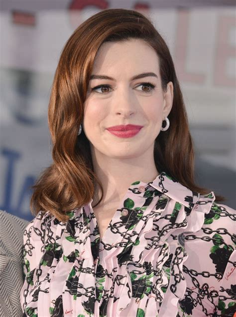 ANNE HATHAWAY Honored with a Star on the Hollywood Walk of ...
