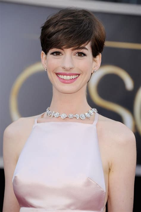 Anne Hathaway in Prada Pictures at 2013 Oscars | POPSUGAR ...