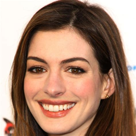 Anne Hathaway   Movies, Husband & Catwoman   Biography