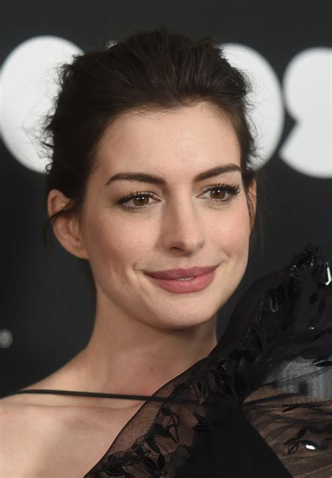 Anne Hathaway Now   Celebrity Red Carpet Beauty Looks Then ...