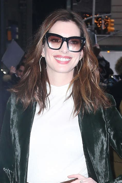 Anne Hathaway   Outside GMA in NYC 01/23/2019