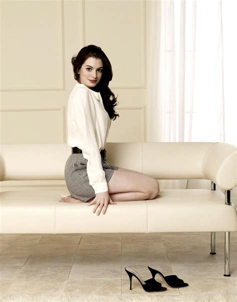 Anne Hathaway photo gallery   high quality pics of Anne ...