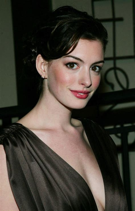 Anne Hathaway pictures gallery  21  | Film Actresses