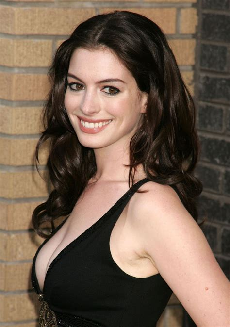 Anne Hathaway pictures gallery  23  | Film Actresses