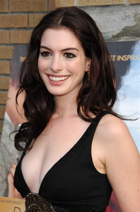 Anne Hathaway pictures gallery  26  | Film Actresses
