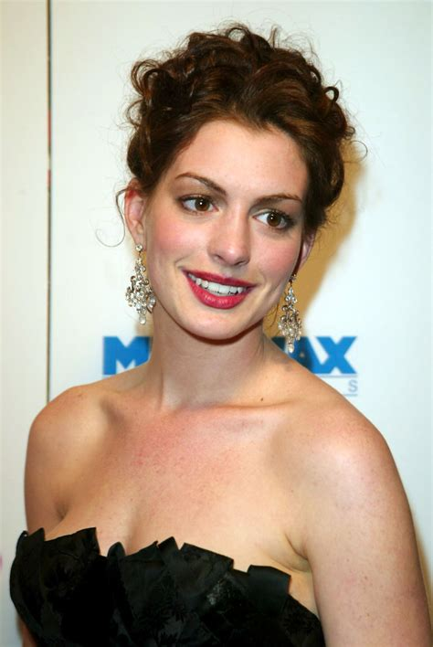 Anne Hathaway pictures gallery | Film Actresses